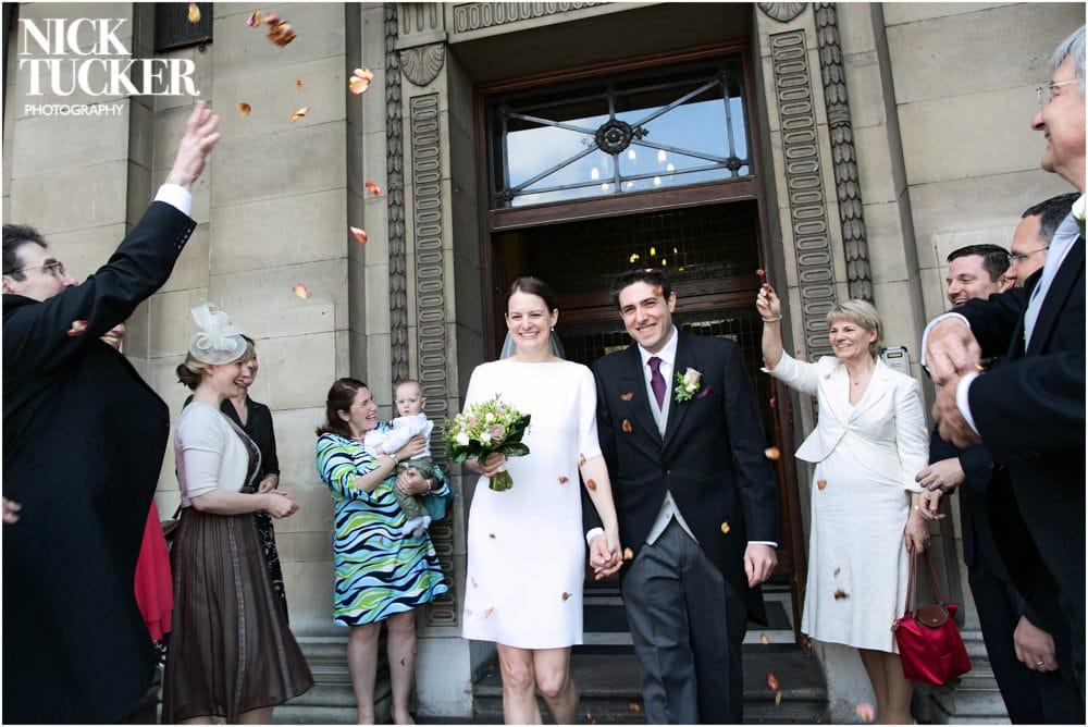 marylebone town hall wedding confetti
