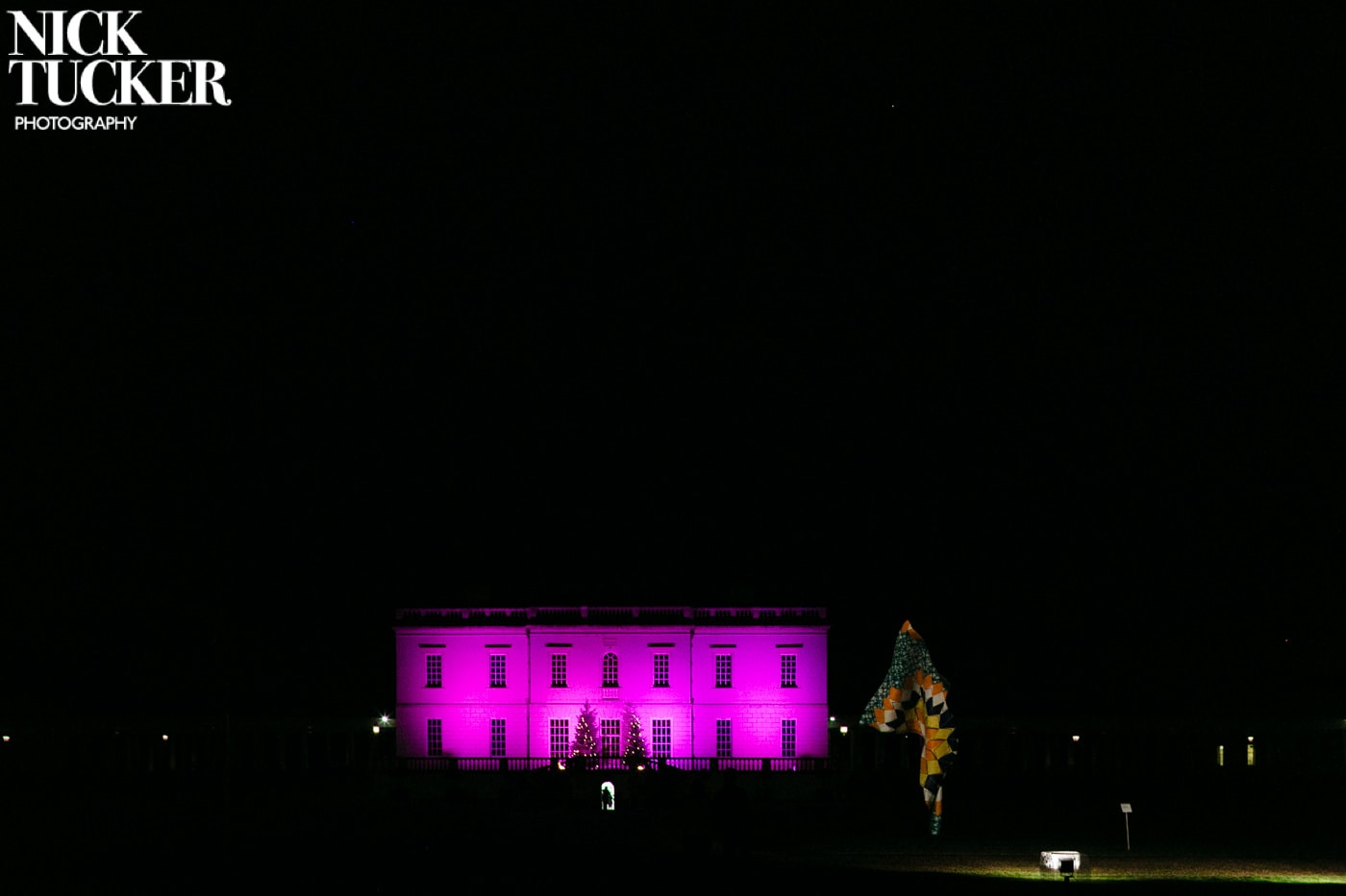 queen's house greenwhich at night