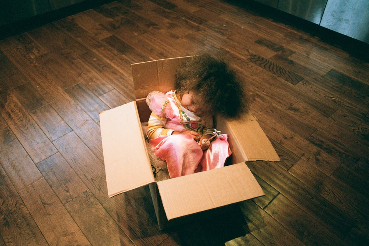 Friday Photo: Girl in a Box / Film