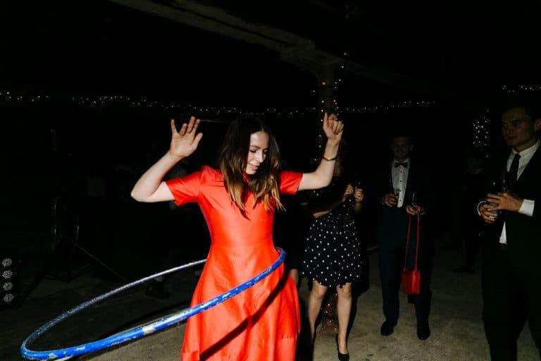 london wedding photography dancing hula hoop