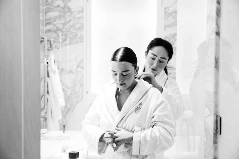 bridal prep at claridges london wedding