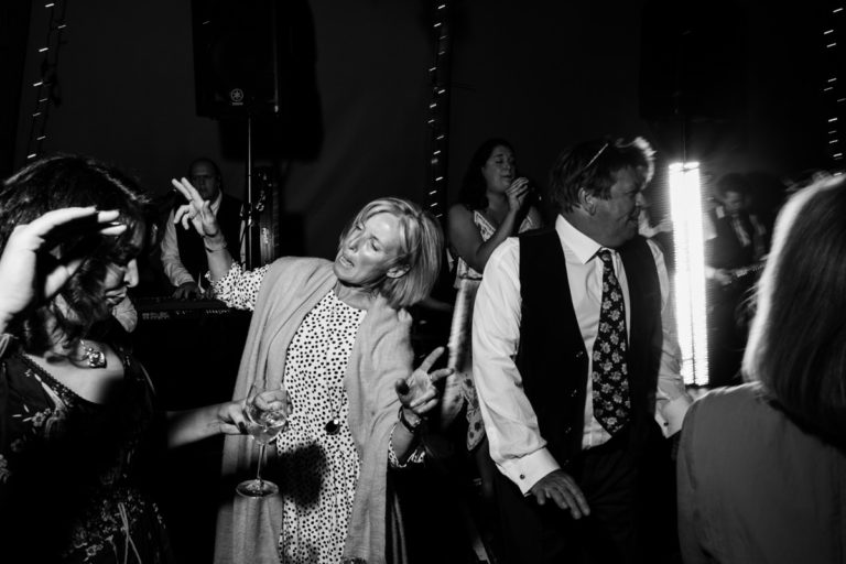 jersey tipi wedding dancing